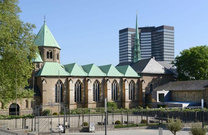 Münsterkirche und Essener Rathaus, Elke Brochhagen